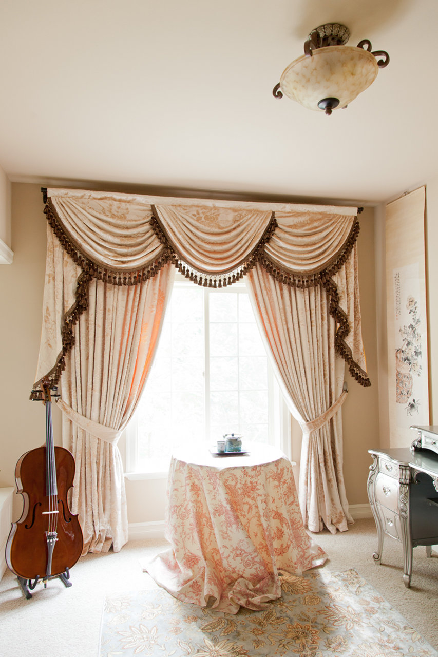 Peony pavillion swags and tails valance curtain drapes for Celuce curtains