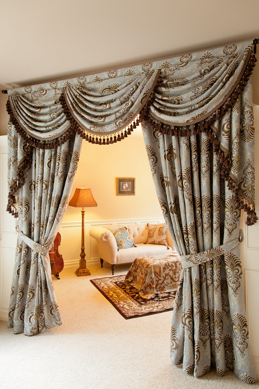 bleu fleur de lis overlapping swag valances curtain drapes. Black Bedroom Furniture Sets. Home Design Ideas