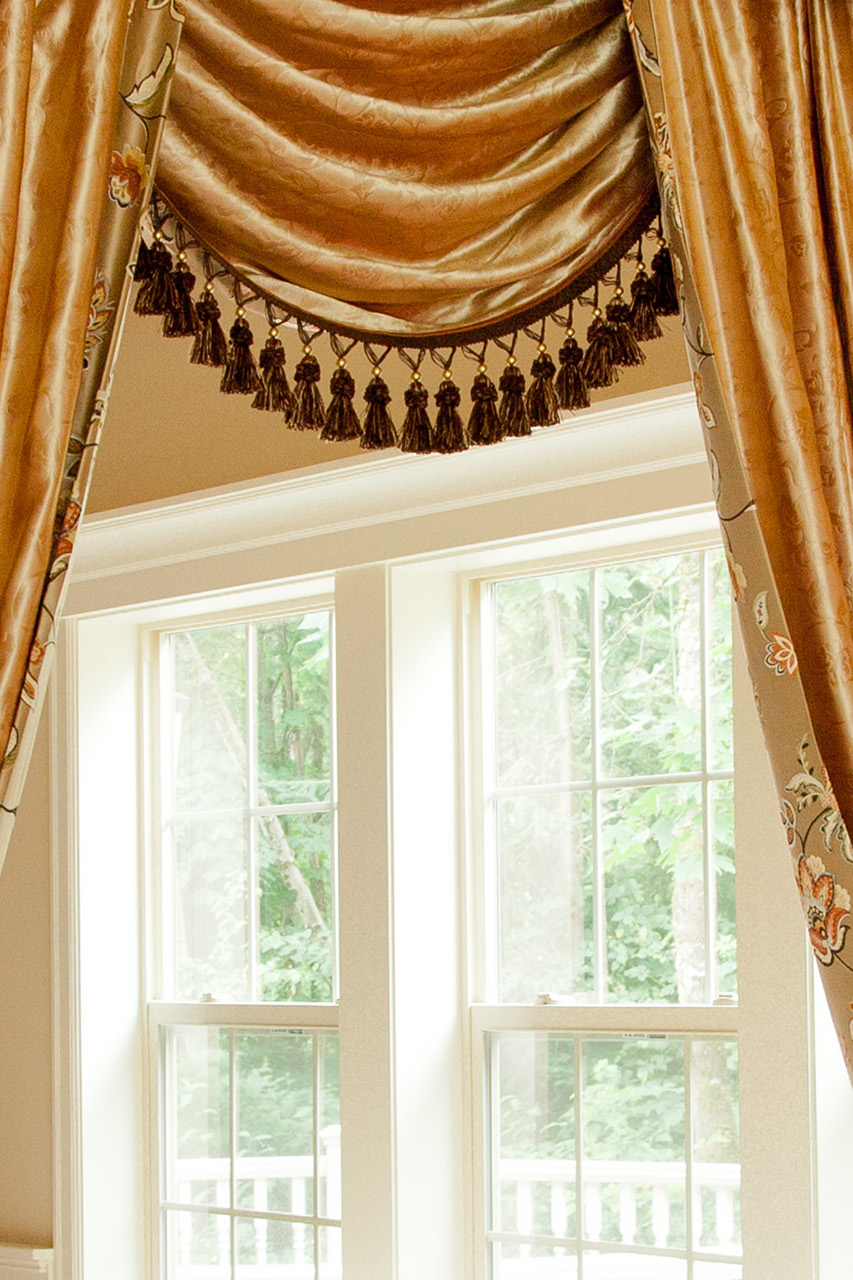 Fleurs rococo swag valances curtain draperies for Celuce curtains