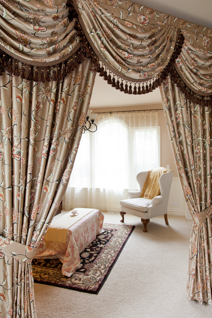 fleurs rococo swag valances curtain draperies. Black Bedroom Furniture Sets. Home Design Ideas