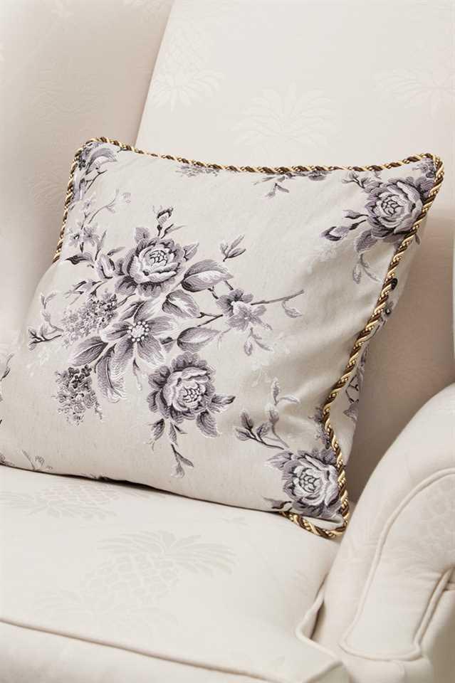 Picture of Fleur Noir Pillow Case