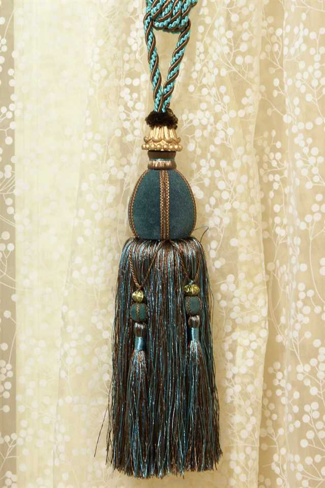 Picture of Luxury Tassel - Blue/Teal