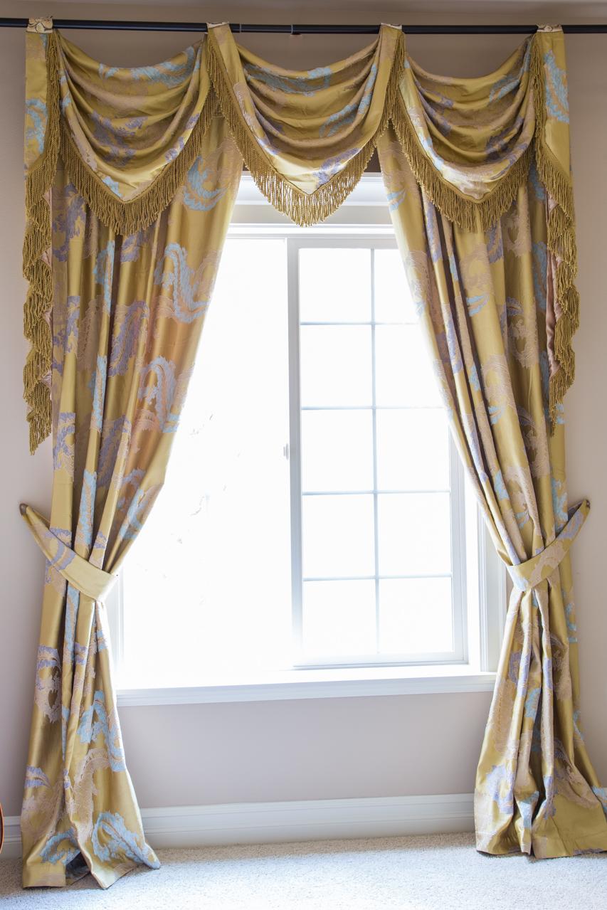royal gold big leaf flip pole swag valance curtain set. Black Bedroom Furniture Sets. Home Design Ideas