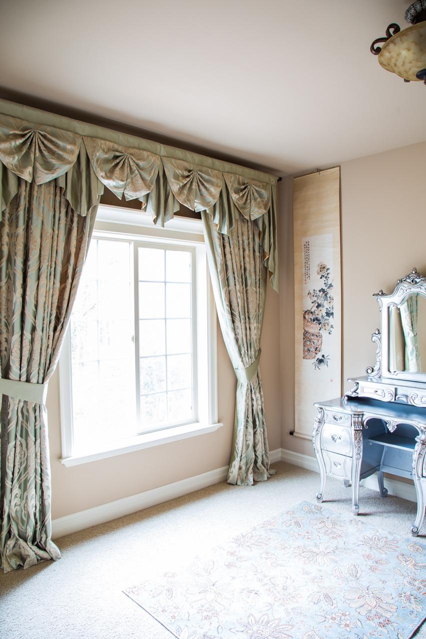 Emerald bouquet paris salon cascade valances curtain drapes for Pareti salone