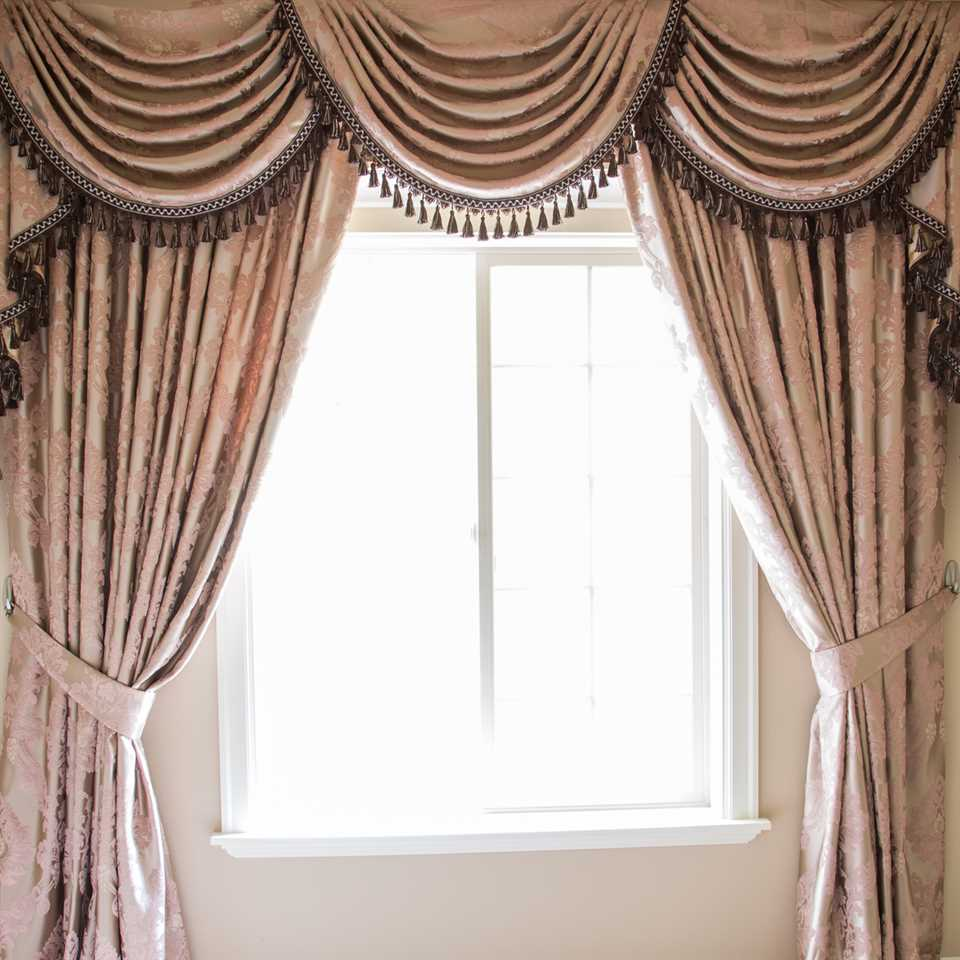 Luxury Swags And Tails Valance Curtain Drapes