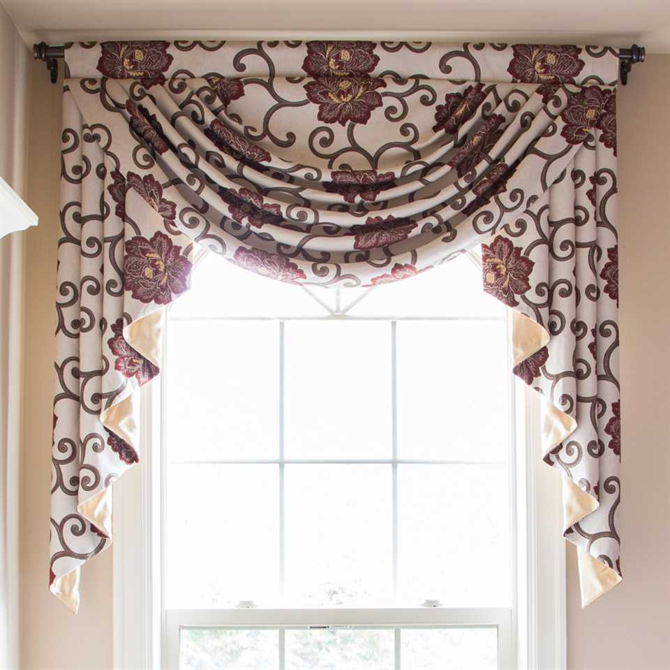 Picture of Peony On Vine Valance Only