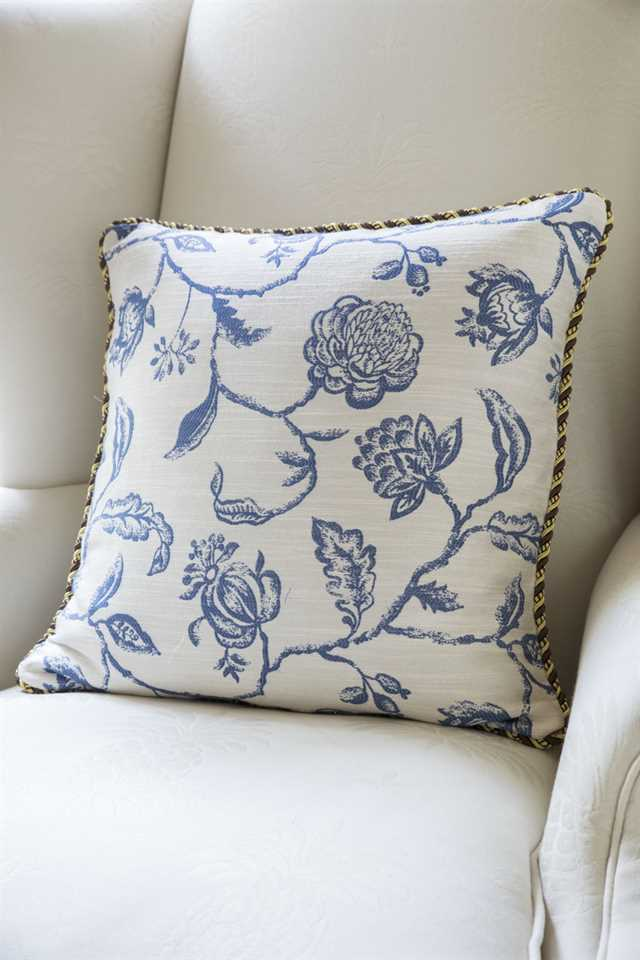 Picture of Blue-and-White Pillow Case